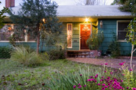 'sacramento house for rent' from the web at 'http://www.sacrentals.com/rentals/5221-9ave.jpg'